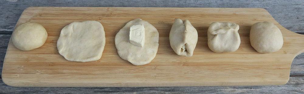 Etapes préparation Naans fromage cuisson au four à bois