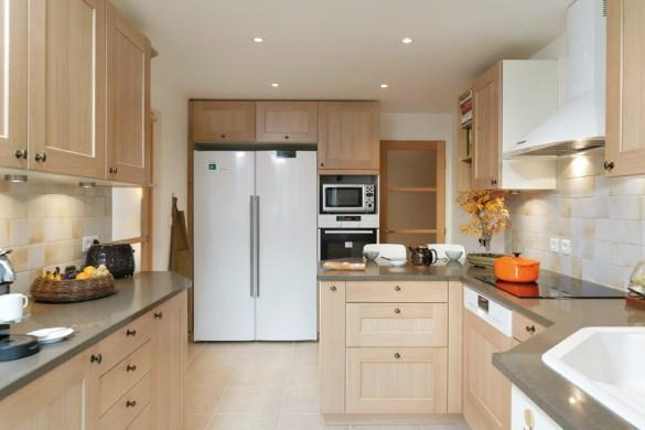 discac pour une cuisine dans l re du temps cuisines et bains. Black Bedroom Furniture Sets. Home Design Ideas