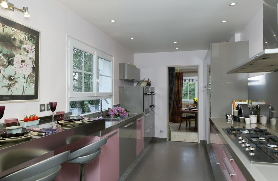 la cuisine voit la vie en rose cuisines et bains. Black Bedroom Furniture Sets. Home Design Ideas
