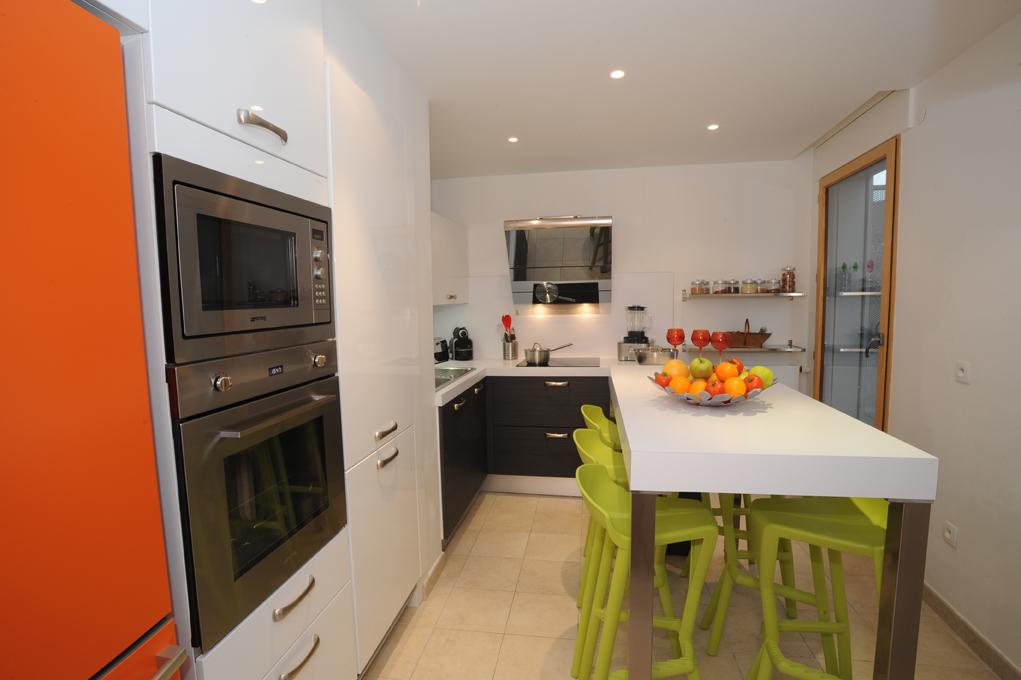 cuisine pop et peps cuisines et bains. Black Bedroom Furniture Sets. Home Design Ideas