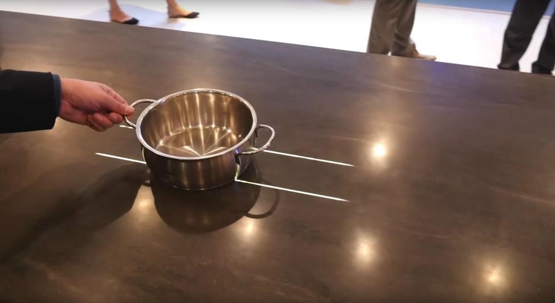 panasonic retour vers la cuisine du futur cuisines et bains. Black Bedroom Furniture Sets. Home Design Ideas