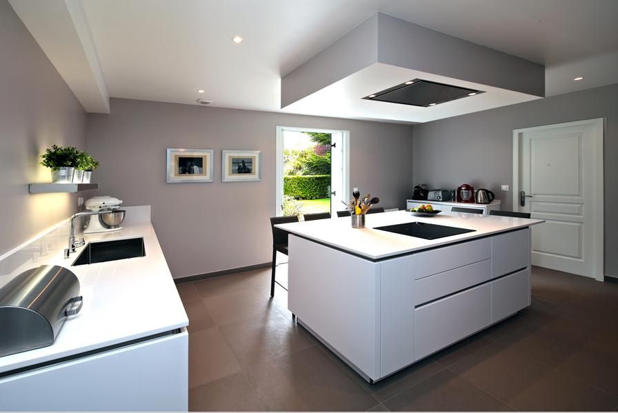 cheap la cuisine s offre une seconde jeunesse cuisines et bains tout pour la cuisine with tout. Black Bedroom Furniture Sets. Home Design Ideas