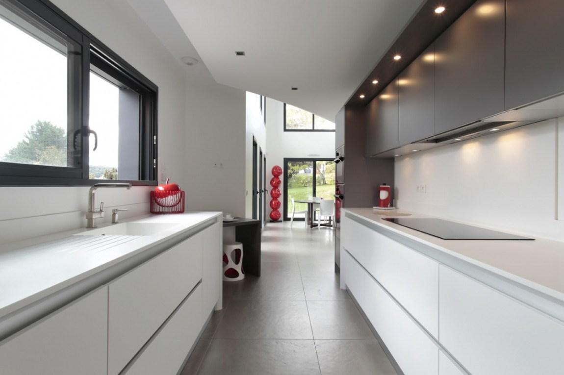 La cuisine couloir 10 exemples suivre cuisines et bains for Cuisine couloir moderne