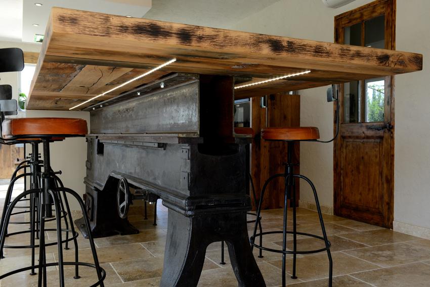 table à manger éclairé en dessous