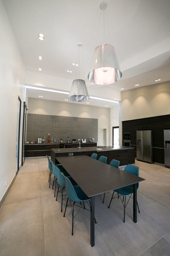 salle à manger cuisine moderne
