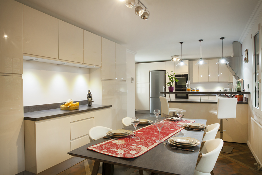 douceur de vivre cuisines et bains. Black Bedroom Furniture Sets. Home Design Ideas