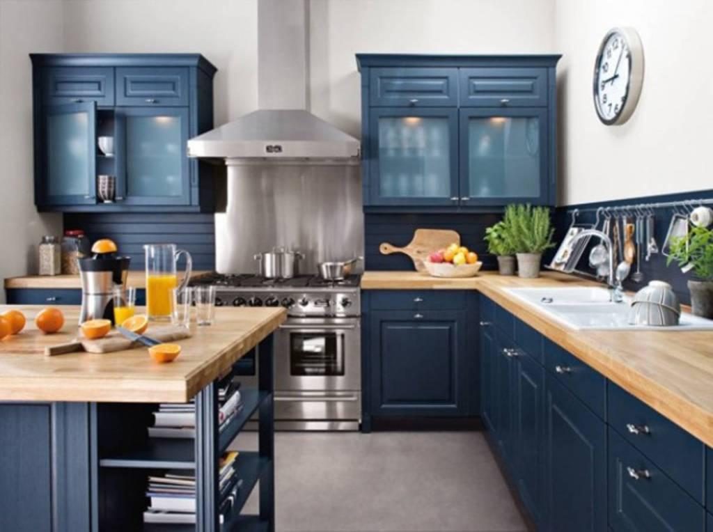 cuisine colorée bleu foncé