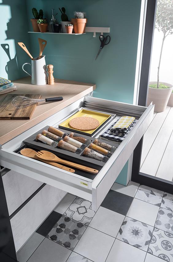 cooking louise naissance d une cuisine pas comme les autres cuisines et bains. Black Bedroom Furniture Sets. Home Design Ideas