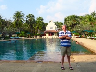 Raffles Grand Hotel d'Angkor–pool area