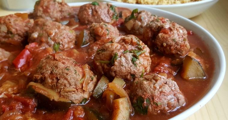 Boulettes de bœuf (Kefta) à la marocaine et sauce aux légumes