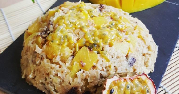 Bowlcake exotique à la mangue, lait de coco & chocolat