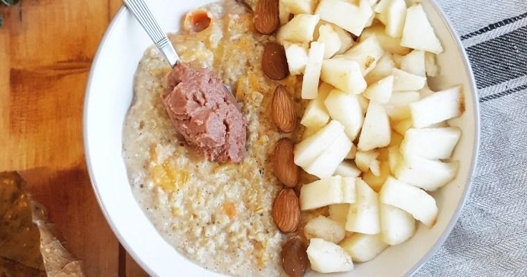 Porridge au kaki et aux épices