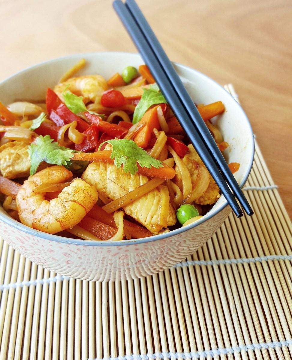 nouilles de riz saut es au poulet crevettes et l gumes cuisine ta ligne. Black Bedroom Furniture Sets. Home Design Ideas