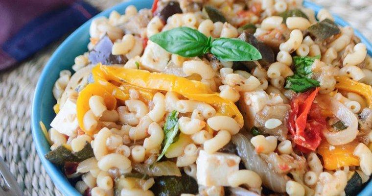 Salade de pâtes aux légumes rôtis