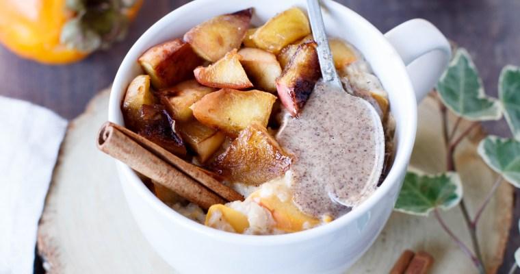 Porridge au kaki, épices et pomme caramélisée
