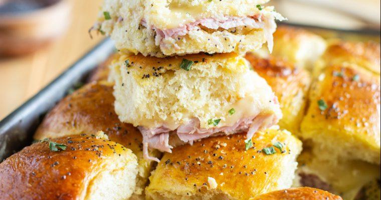 Petits pains briochés au jambon et au fromage (Ham & Cheese Sliders)
