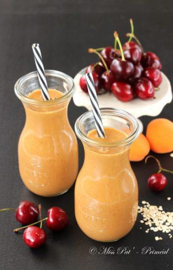 Smoothie cerise et abricot aux flocons primeal