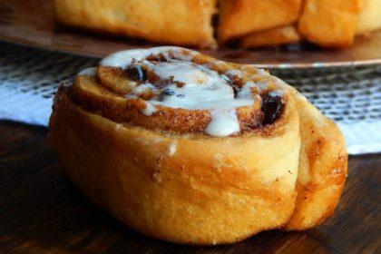 cinnamon rolls canela rollos