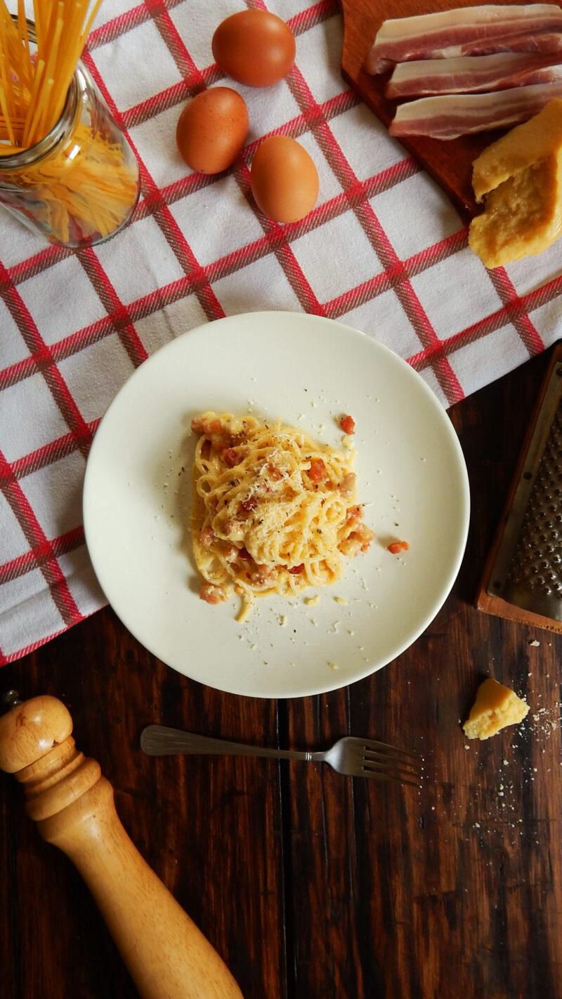 carbonara spaghetti pasta queso panceta