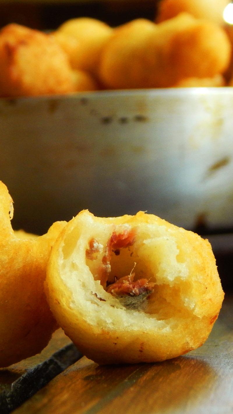 zeppole anchoas salado siciliano
