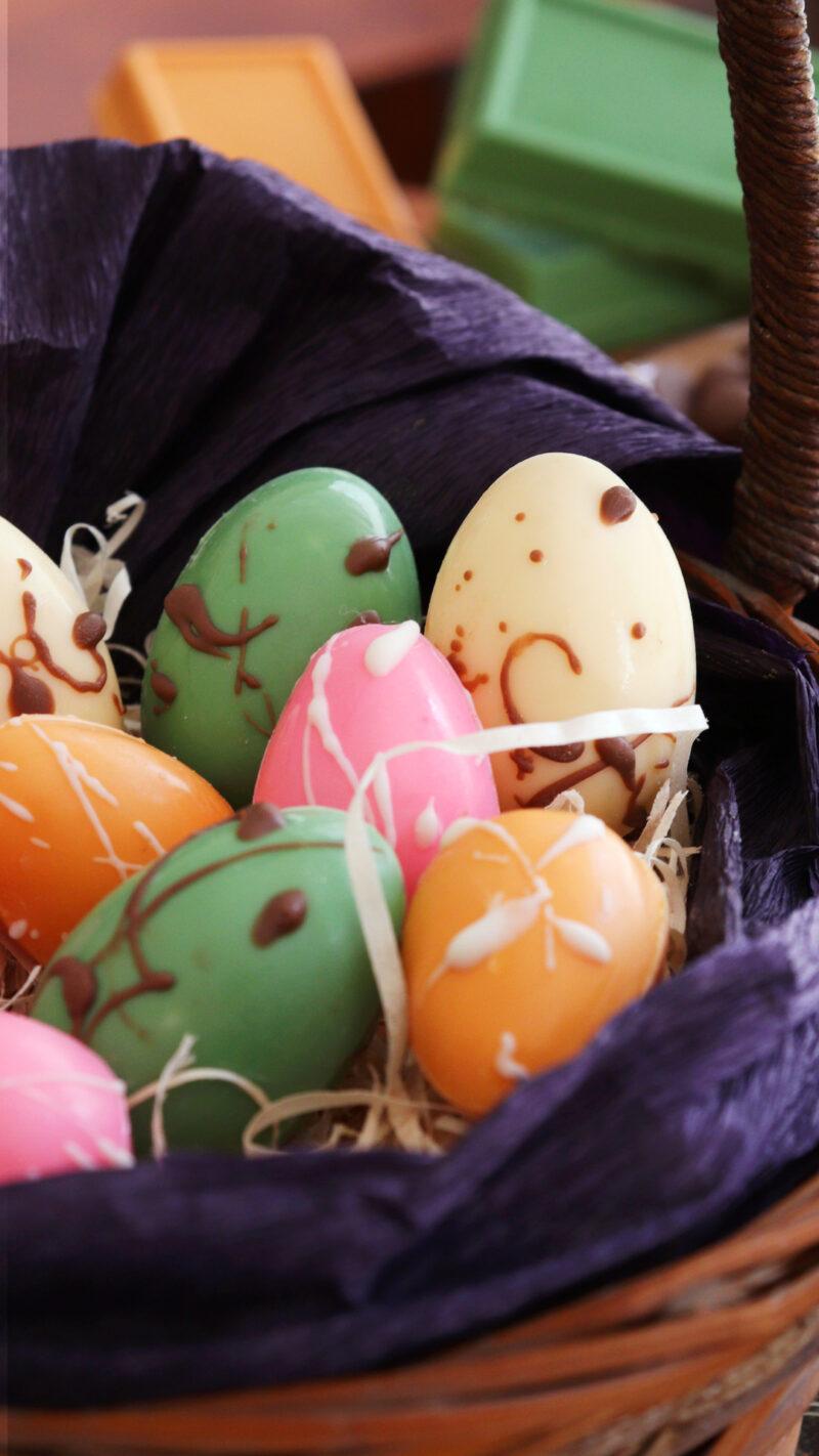 huevos de pascua chocolate colores mini