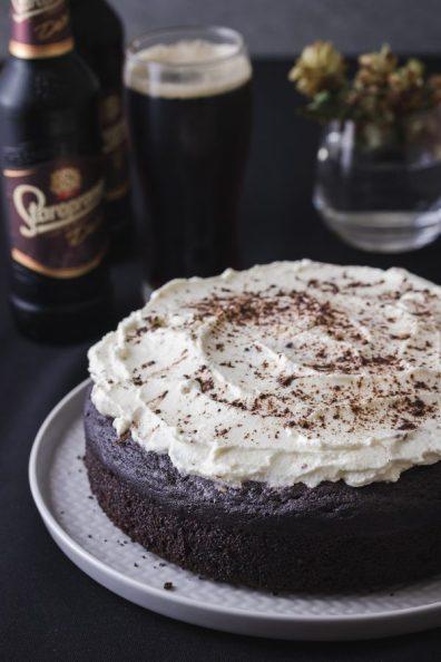 Torta s tamnim pivom