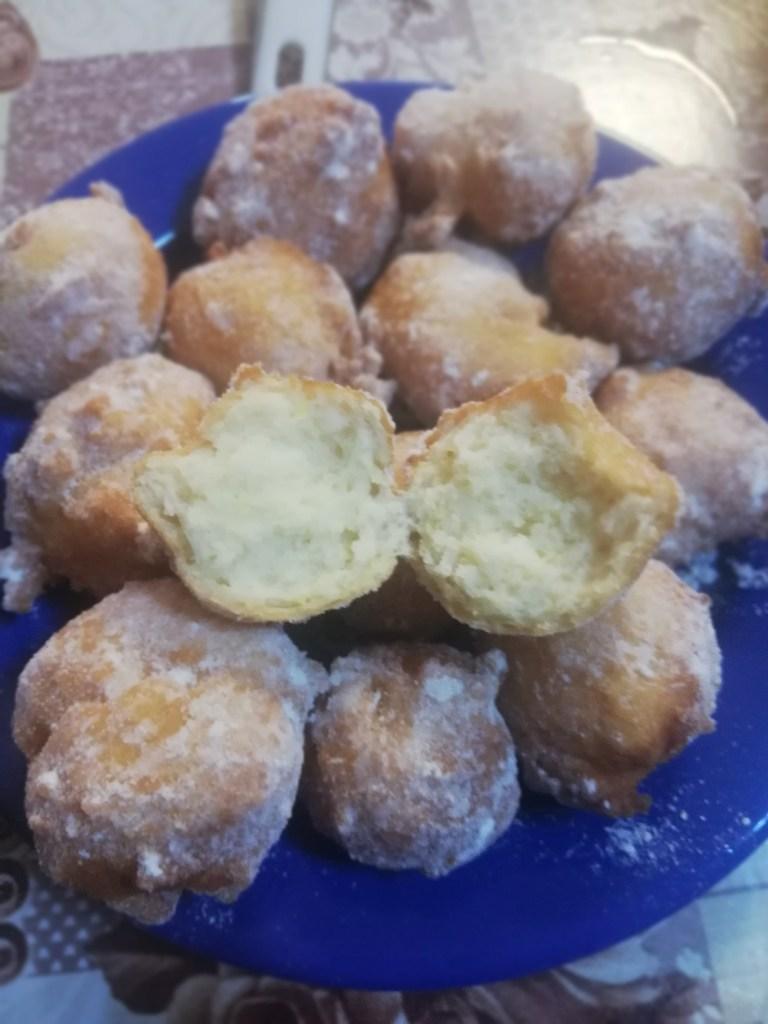 Gogosi cu iaurt grecesc