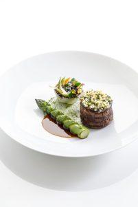 Le Jardin - Cœur de filet de bœuf suisse, lard de Colonnata et asperges vertes 5