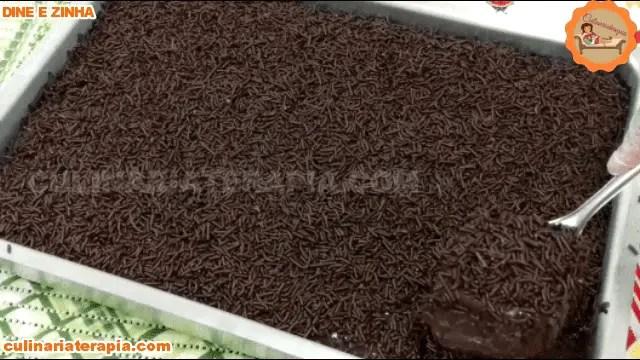 Bolo de Chocolate Rápido e fácil Gigante