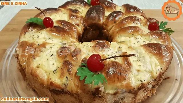 Pão Rosca Salgada Recheada com Mussarela, Presunto e Creme de Cebola