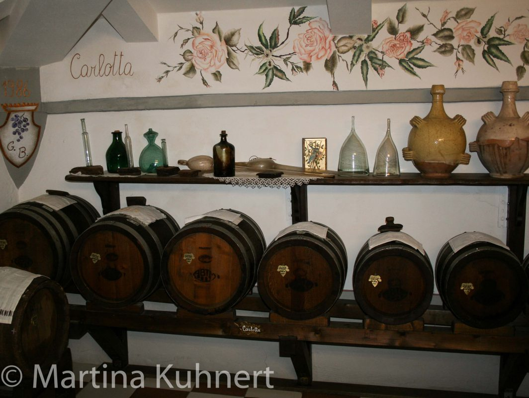 foodie tour bologna, balsamic vinegar factory tour