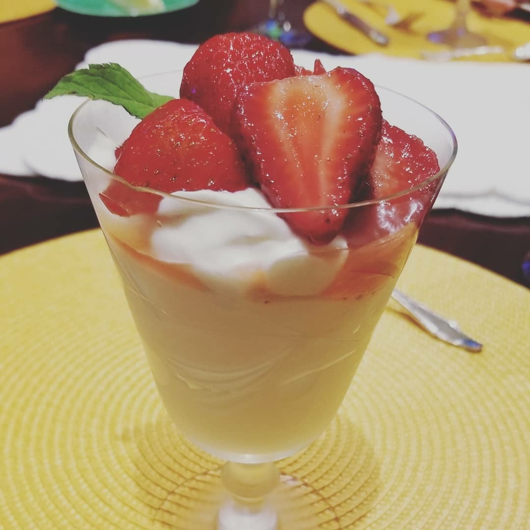 strawberry ricotta mousse
