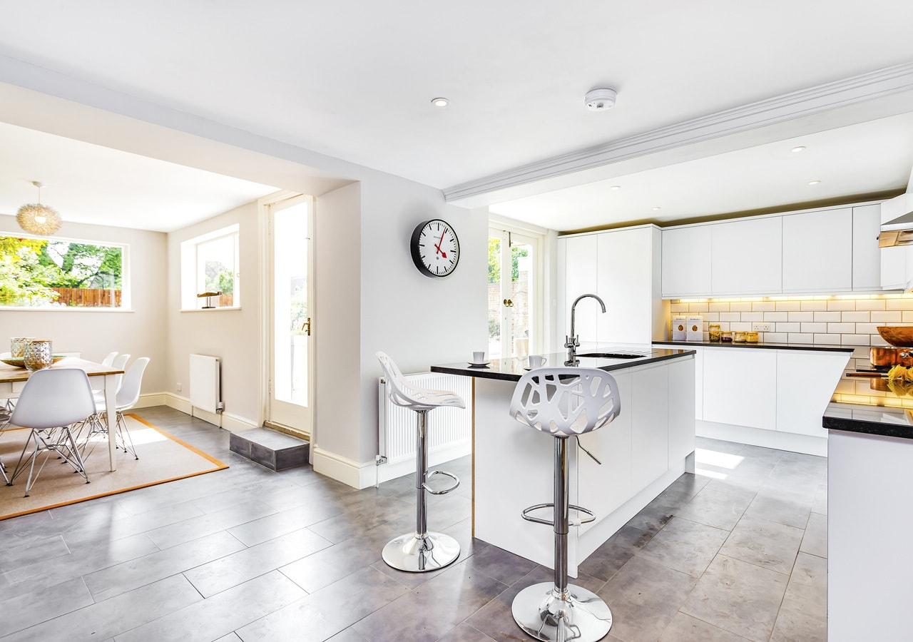 A classic contemporary Dulwich Townhouse kitchen Home Staged by Cullum Design | London UK