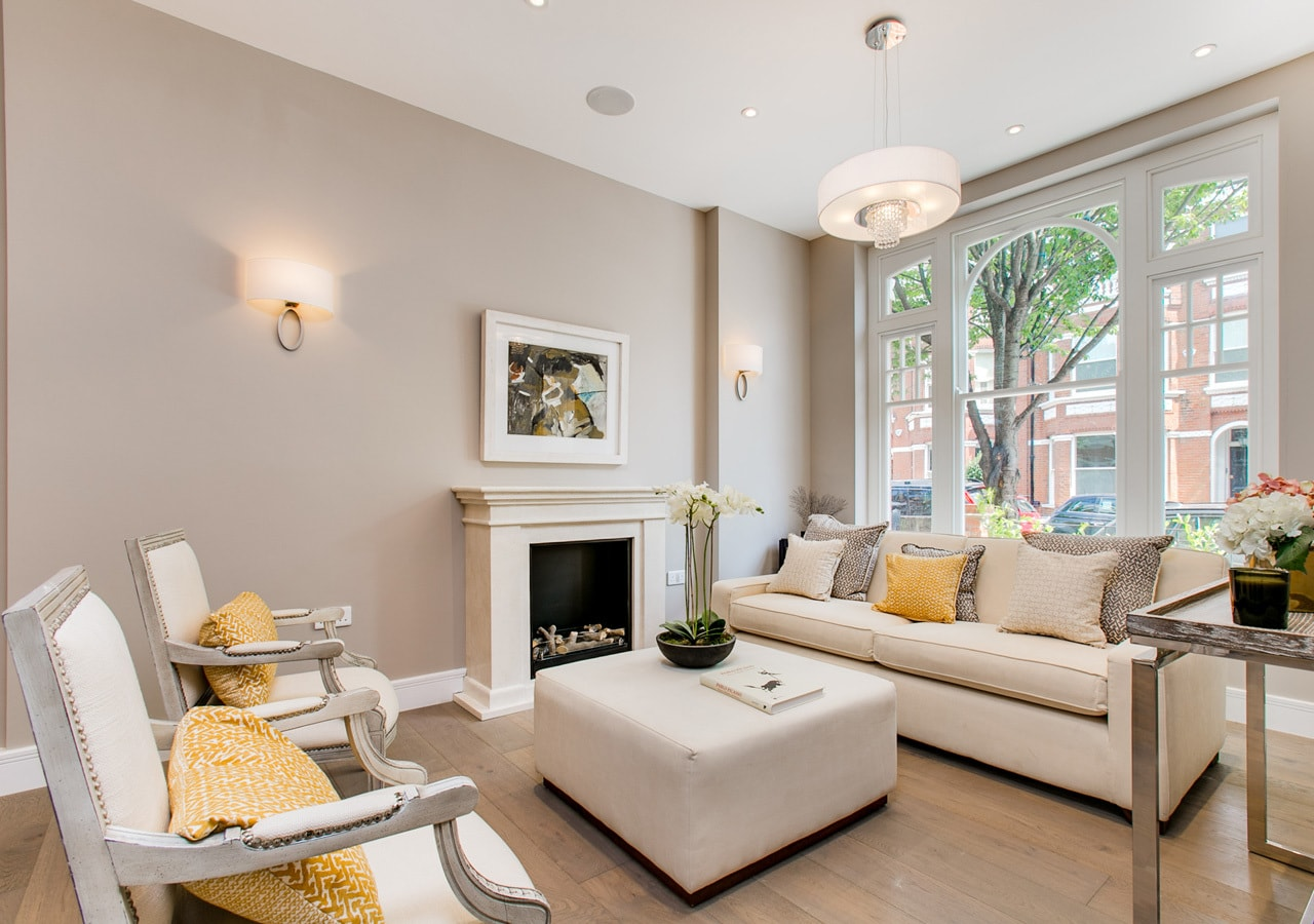 A classic contemporary Fulham Townhouse reception room designed by Nicola Scannell Design and Home Staged by Cullum Design   London UK