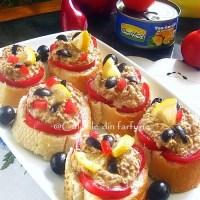 Sandwisuri cu pasta de ton