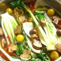 Salata calda cu ciuperci si pak choi