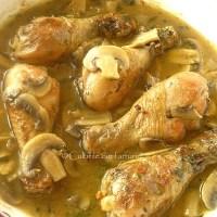 Pulpe de pui in sos de sampanie cu tarhon