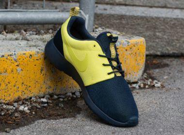 "quality design b010f 71f6f Nike Roshe Run ""Split"" Armory Navy   Yellow"