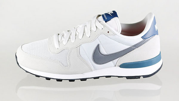 sports shoes 044bb 88d9d Nike Internationalist Light Base Grey   Cool Grey