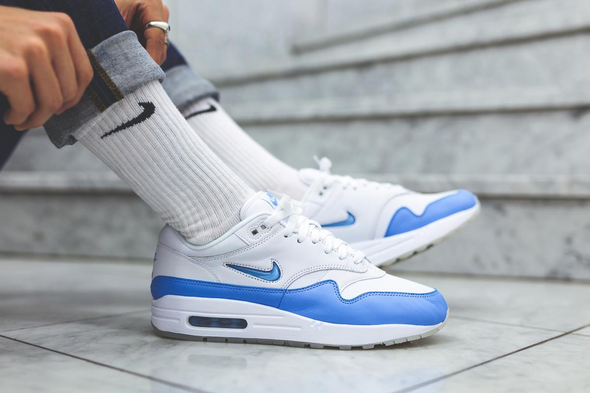 Nike Air Max Jewel University Blue