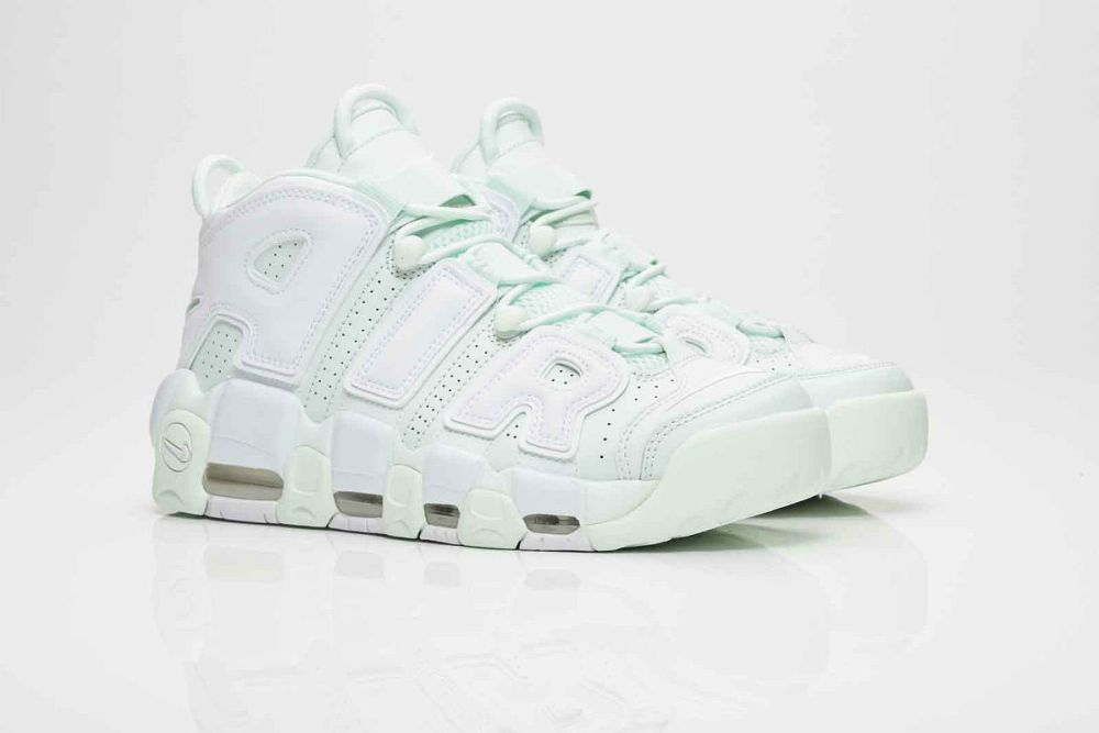 nike air more uptempo light green