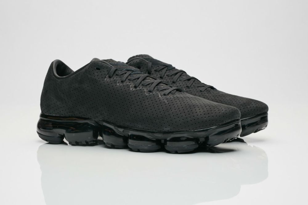 nike air vapormax leather black