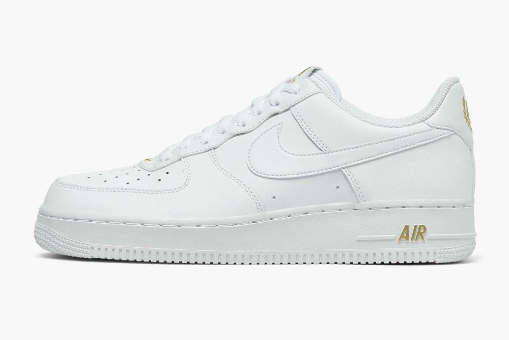 Nike Air Force 1 07 White/Metallic Gold