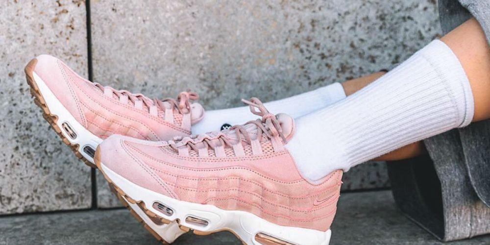 on feet nike air max 95 pink