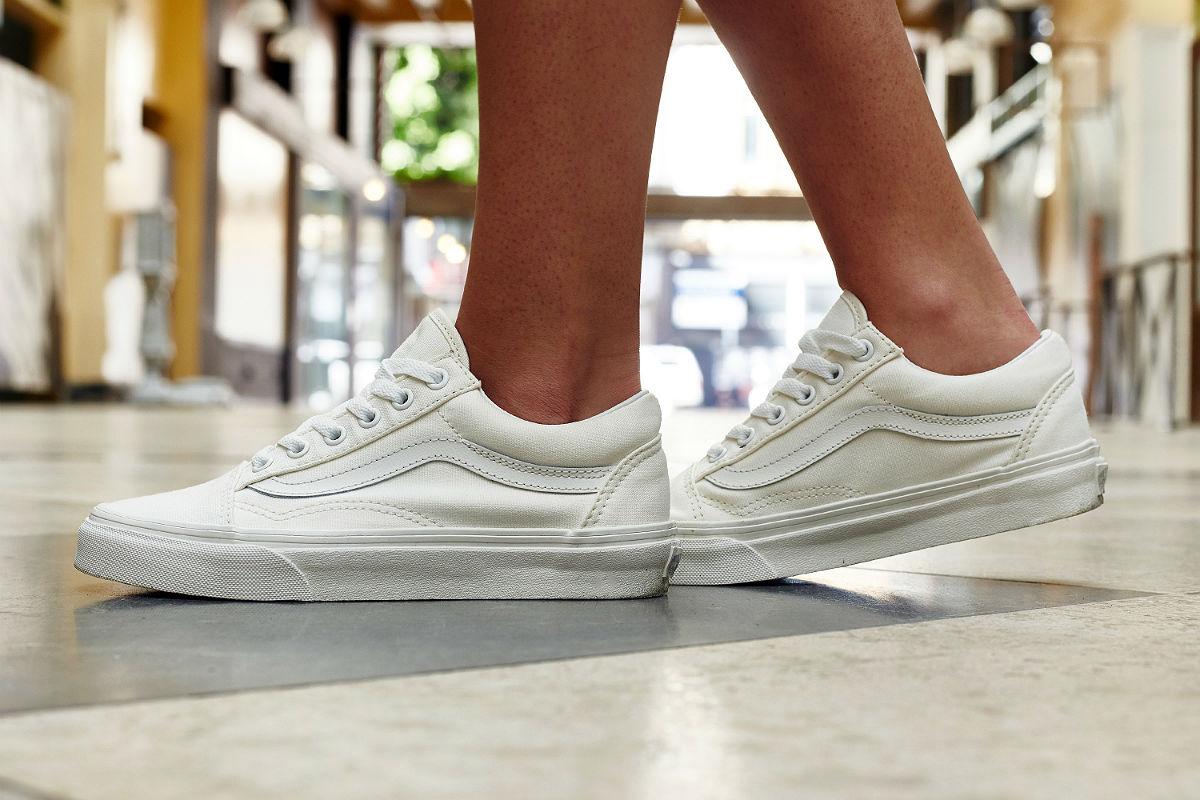 vans old skool white on foot