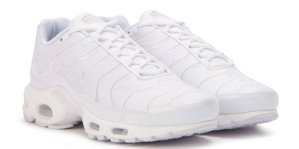 air max plus triple white