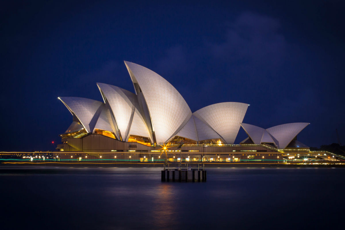 night view of sydney opera house