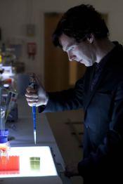Sherlock-The-Reichenbach-Fall--promo-pics-batch(5)