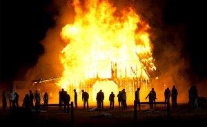walking-dead-season-2-finale-barn-fire