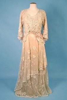 Tea gown en dentelle, 1914, Bruxelles..